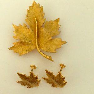Vintage Gold Maple leaf brooch & earrings